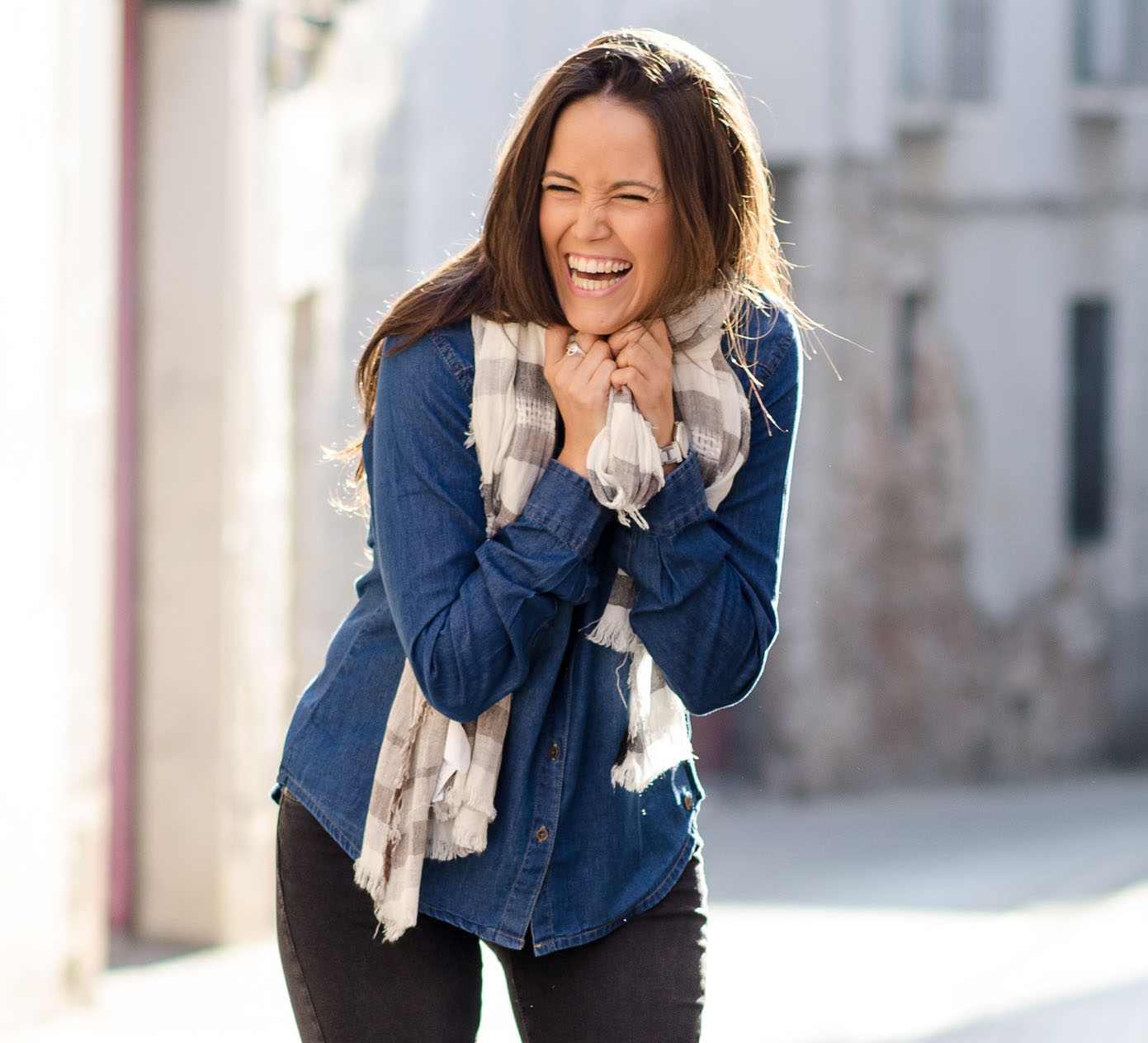 nevető nő